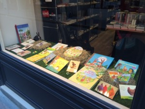 Schaufenster Ostern Librairie Allemande